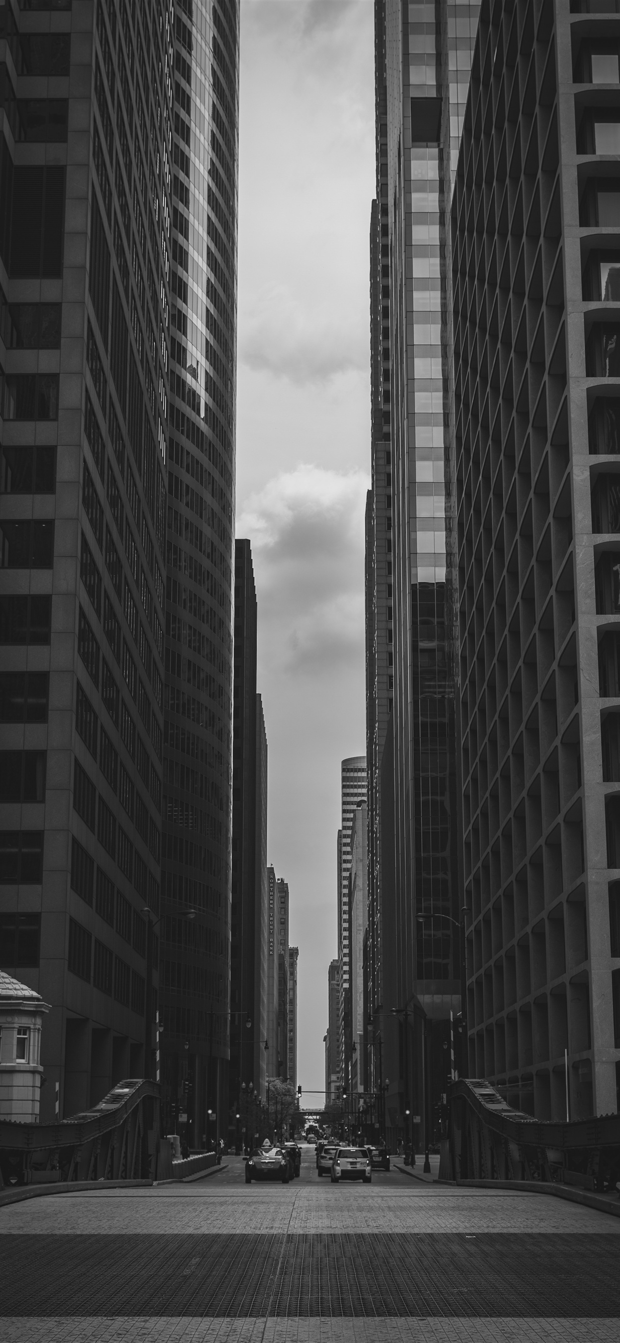 City Skyscrapers Road Black And White Iphone Xs Max X 8 7 6 5 4