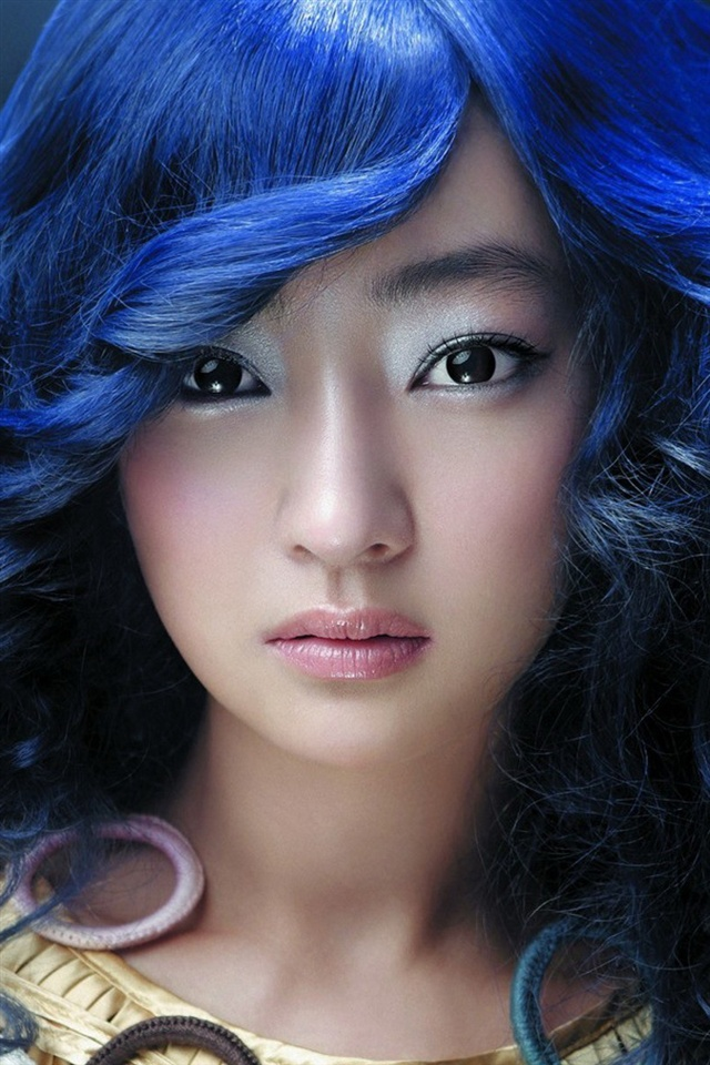Beautiful Blue Eyes Cute Famous Girl Hair Listick: Beautiful Blue Hair Asian Girl IPhone X 8,7,6,5,4,3GS