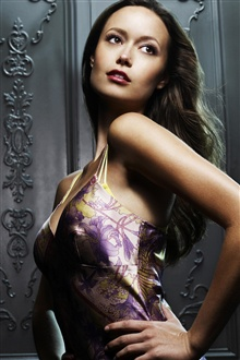 Summer Glau 01 iPhone Wallpaper Preview
