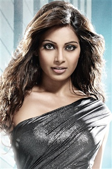 Bipasha Basu 01 iPhone Wallpaper Preview