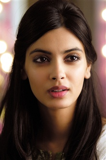 Diana Penty 01 iPhone Wallpaper Preview