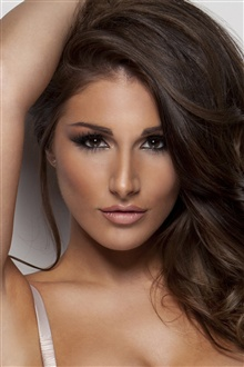 Lucy Pinder 01 iPhone Wallpaper Preview