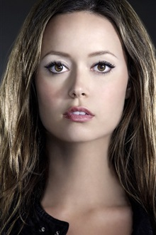 Summer Glau 02 iPhone Wallpaper Preview