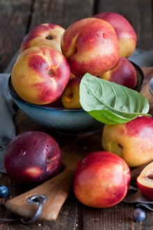 Nectarines, fruit, leaf iPhone Wallpaper Preview