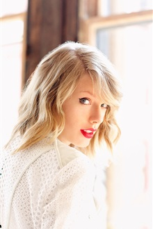 Taylor Swift 03 iPhone Wallpaper Preview
