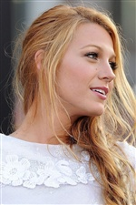 Blake Lively 01 iPhone wallpaper