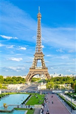 Eiffel Tower in Paris iPhone wallpaper