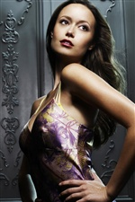 Summer Glau 01 iPhone wallpaper