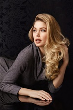 Doutzen Kroes 02 iPhone wallpaper