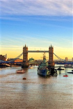 London bridge, river, ships, sunset iPhone wallpaper