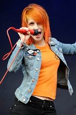 Hayley Williams 02 iPhone wallpaper
