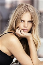 Marloes Horst 01 iPhone wallpaper
