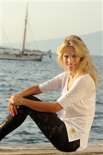 Luisana Lopilato 05 iPhone wallpaper