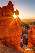 Red rocks mountains, sun, Bryce Canyon National Park, USA iPhone wallpaper
